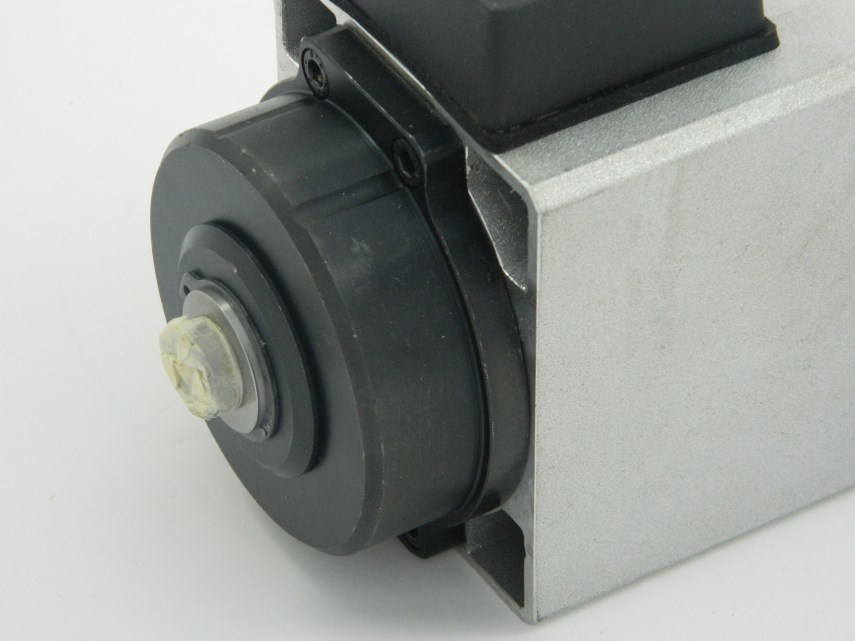 Motor 0,25 KW 380 V 200 HZ