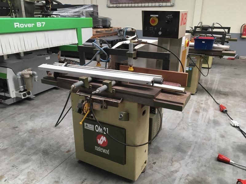 Masterwood type OMB 1 Gebruikte Gatensteekmachine